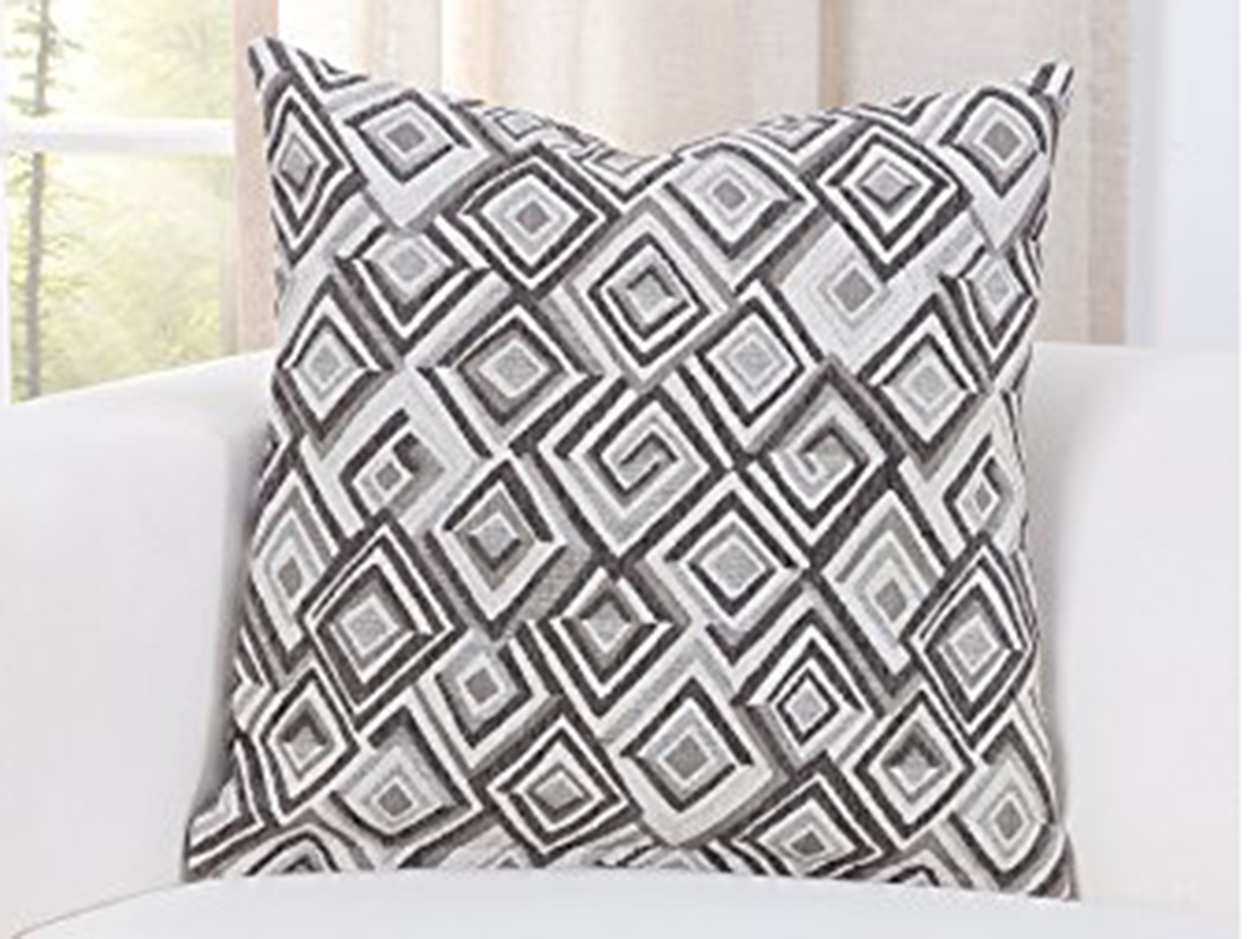 "Diamondhead Linen Pillow 16""W x 16""H"