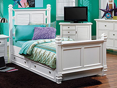 Summer Breeze Twin Post Bed
