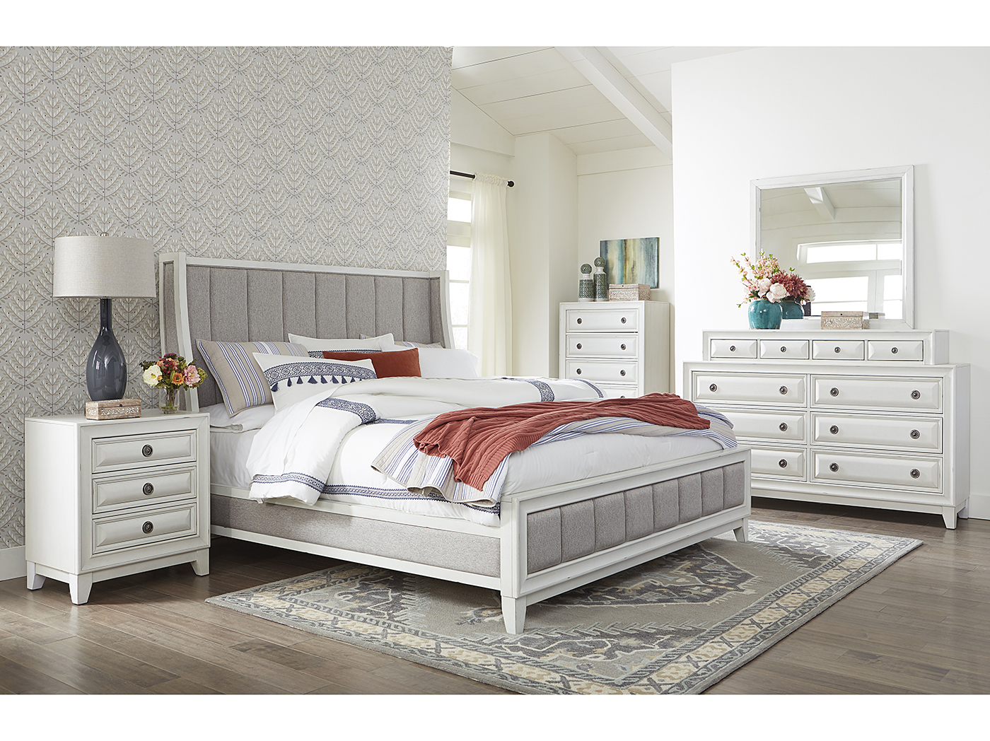 Oliver 5 Pc Queen Bed Dresser Mirror Nightstand And Chest