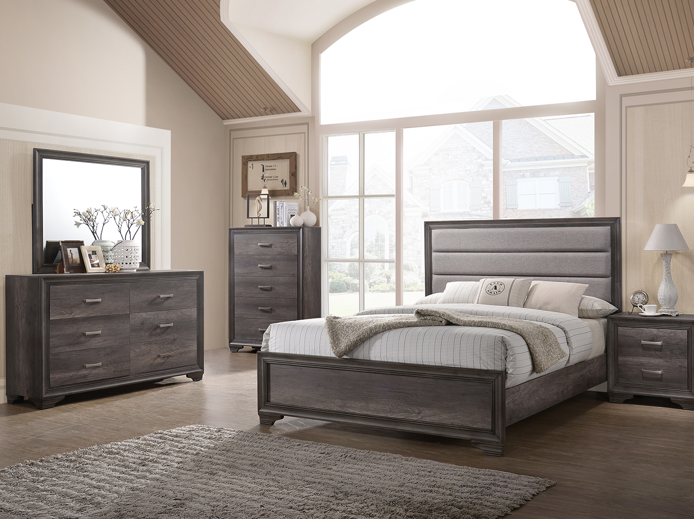 Santa Maria Queen Upholstered Panel Bed