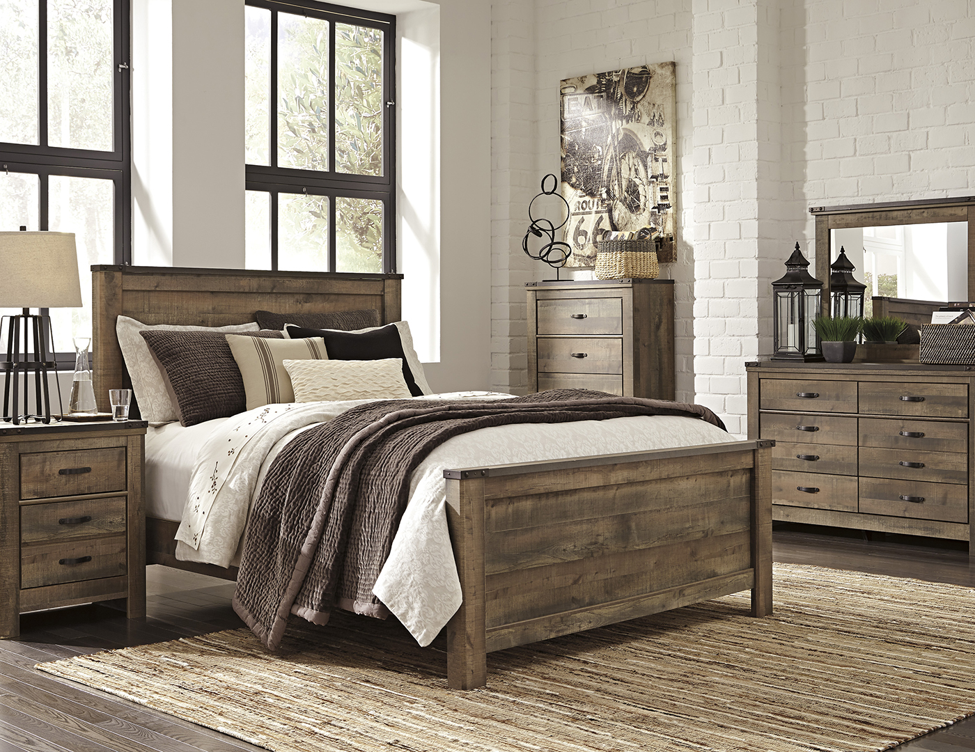 Trinell King Panel Bed