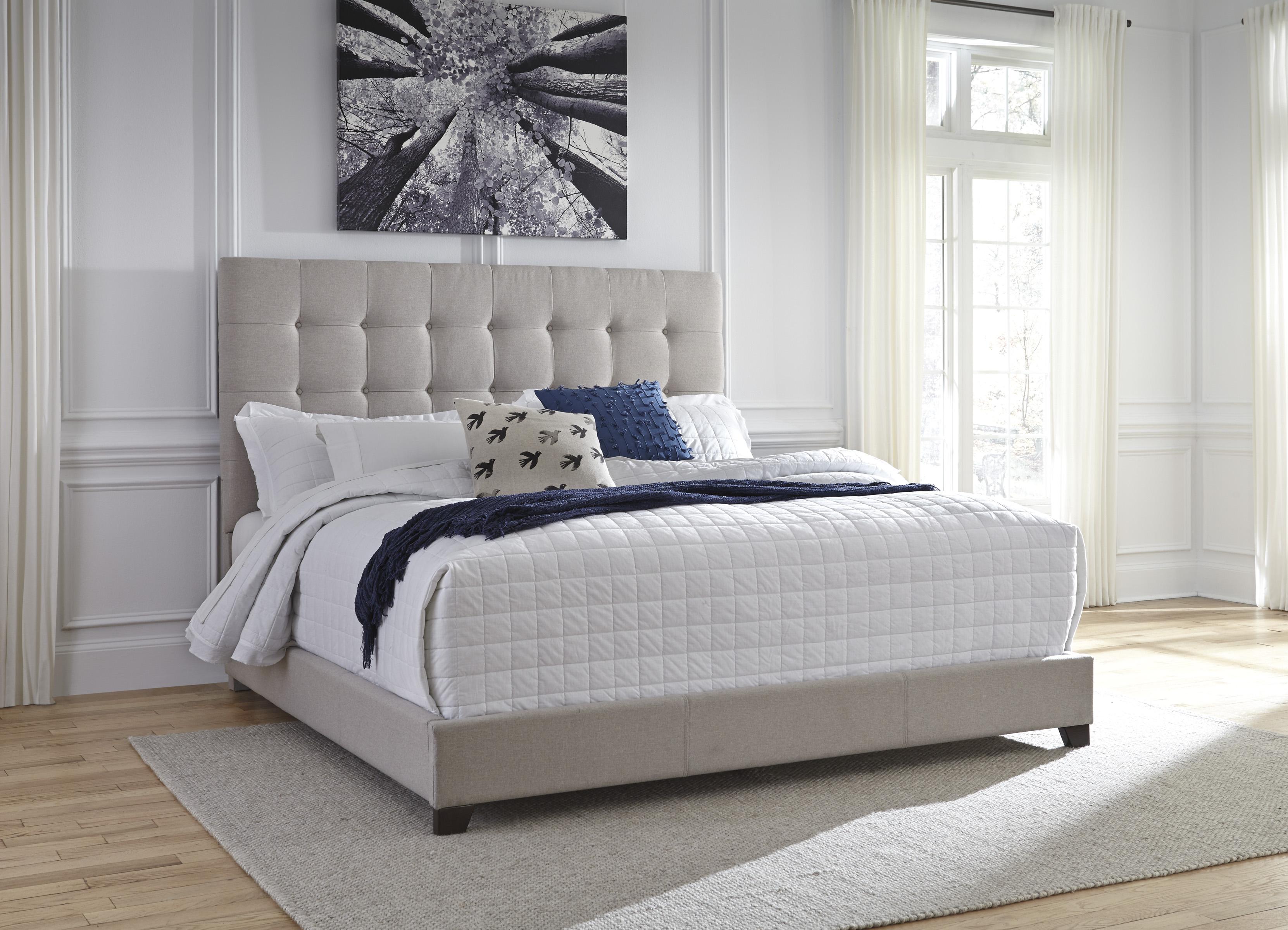 King Upholstered Bed Steinhafels