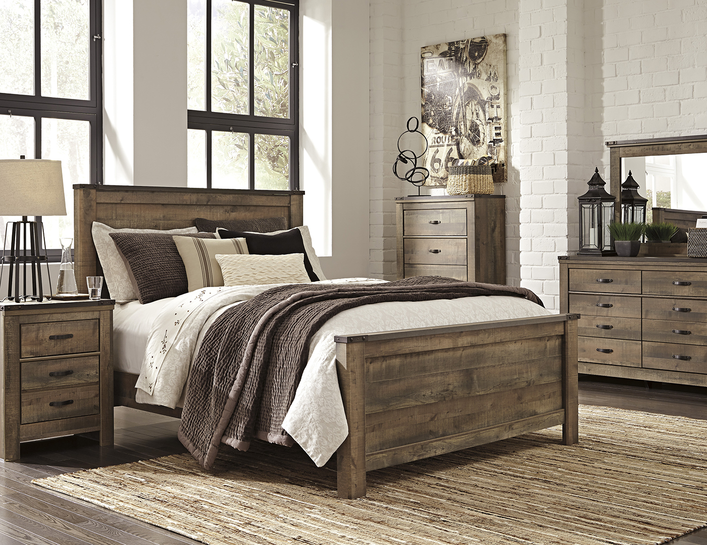 Trinell 5 Pc King Bedroom Set