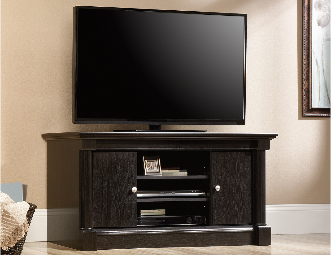 Avenue 8 TV Stand