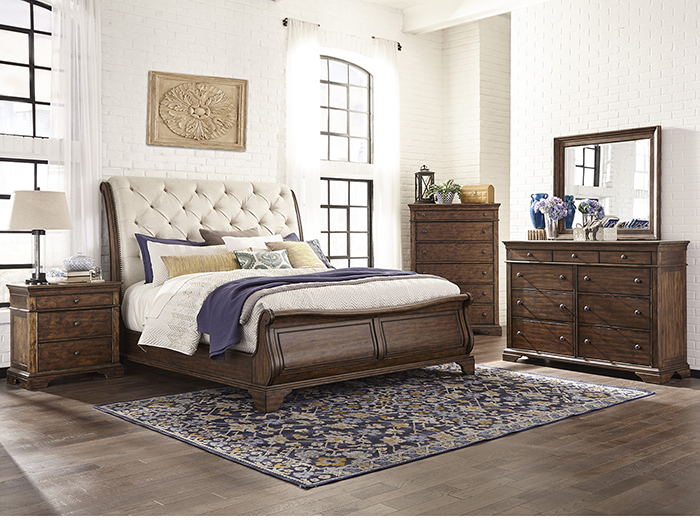 Trisha Yearwood King Sleigh Bed
