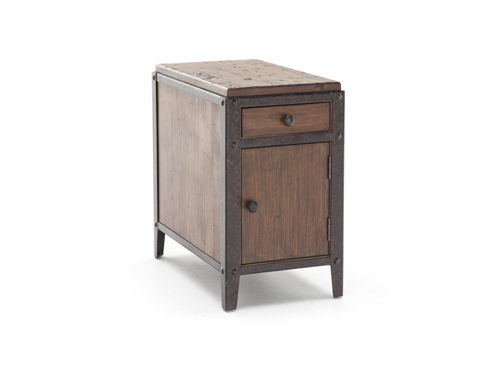 Pinebrook Chairside Table